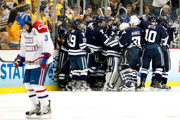 Andrew Miller, Yale Hockey