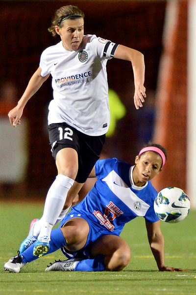 Christine Sinclair, Desiree Scott