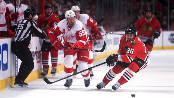 Nhl_u_wings33_cr_576