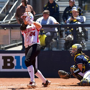 Louisiana-Lafayette's Sarah Draheim hit two home runs to force a Game 3 against Michigan.