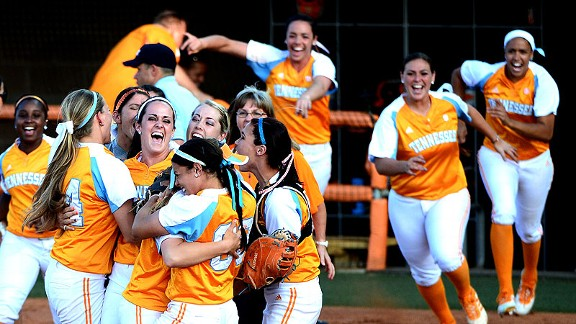 Tennessee softball celebration