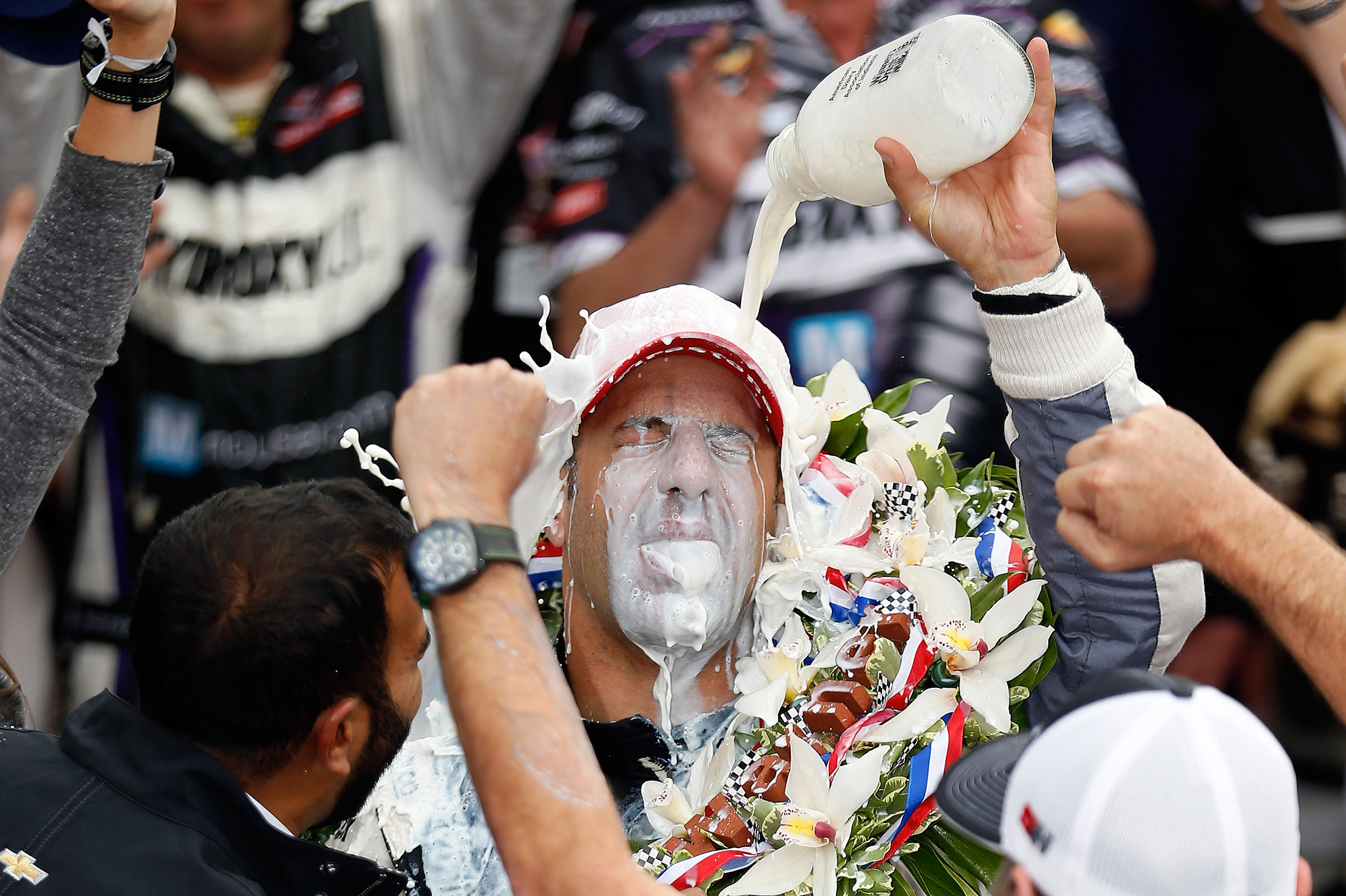 Tony Kanaan, drinking milk