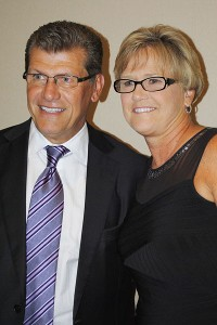 Geno Auriemma and Holly Warlick