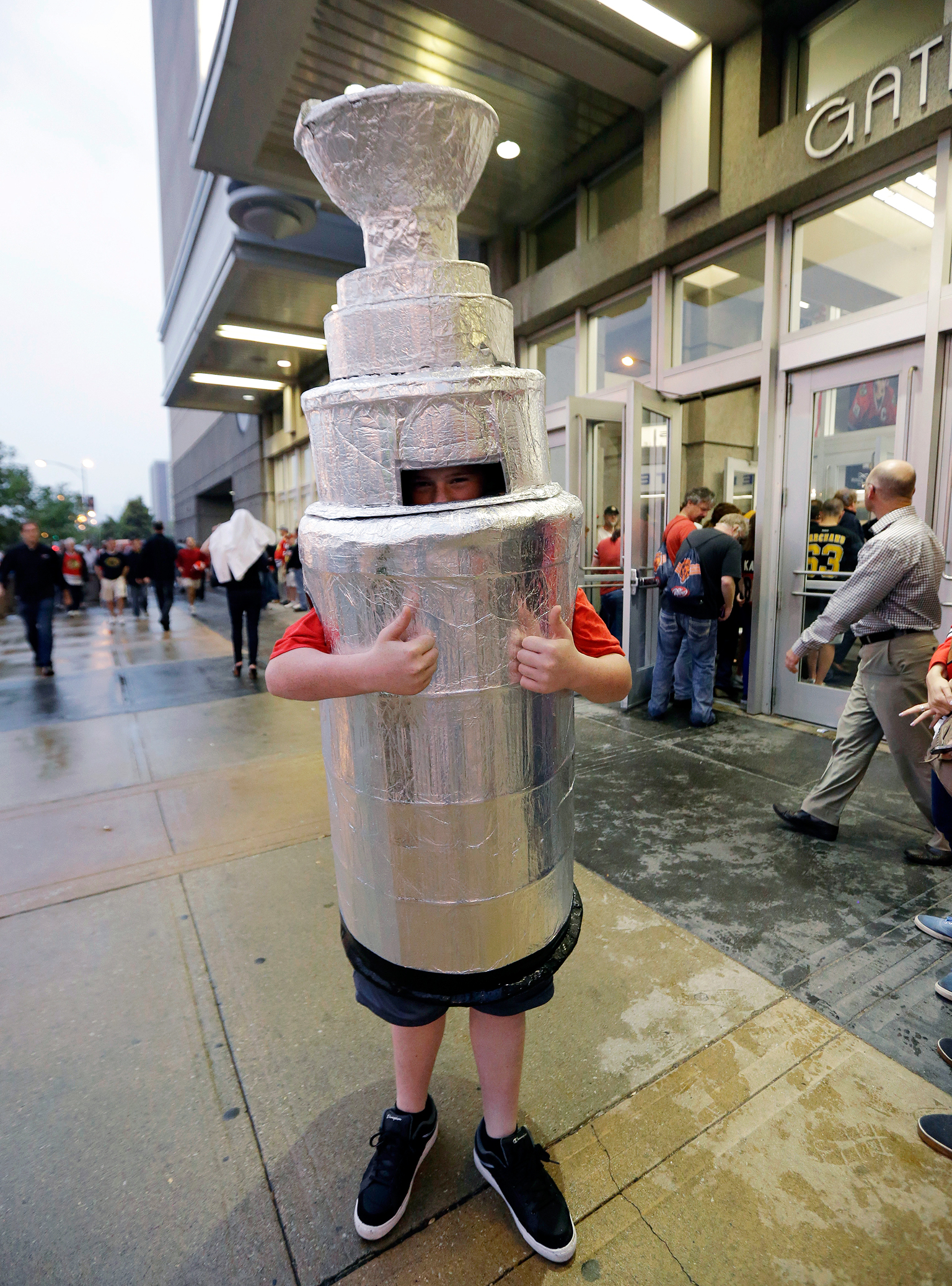 The Cup Arrives in Chicago