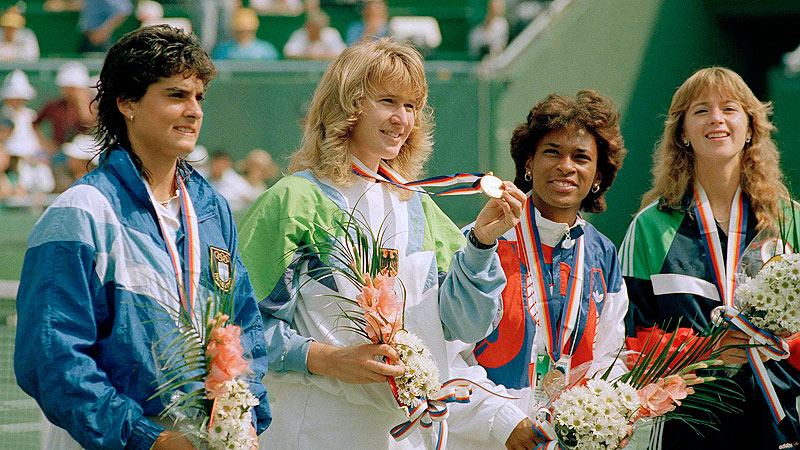 Steffi Graf beat Gabriela Sabatini, left, in the finals of both the US Open and the Olympics in 1988.
