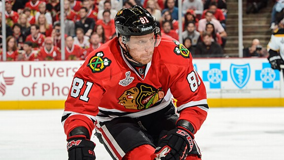 Marian Hossa #81 of the Chicago Blackhawks