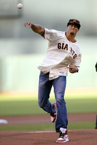 Kaepernick's pitch 87 mph at Giants game