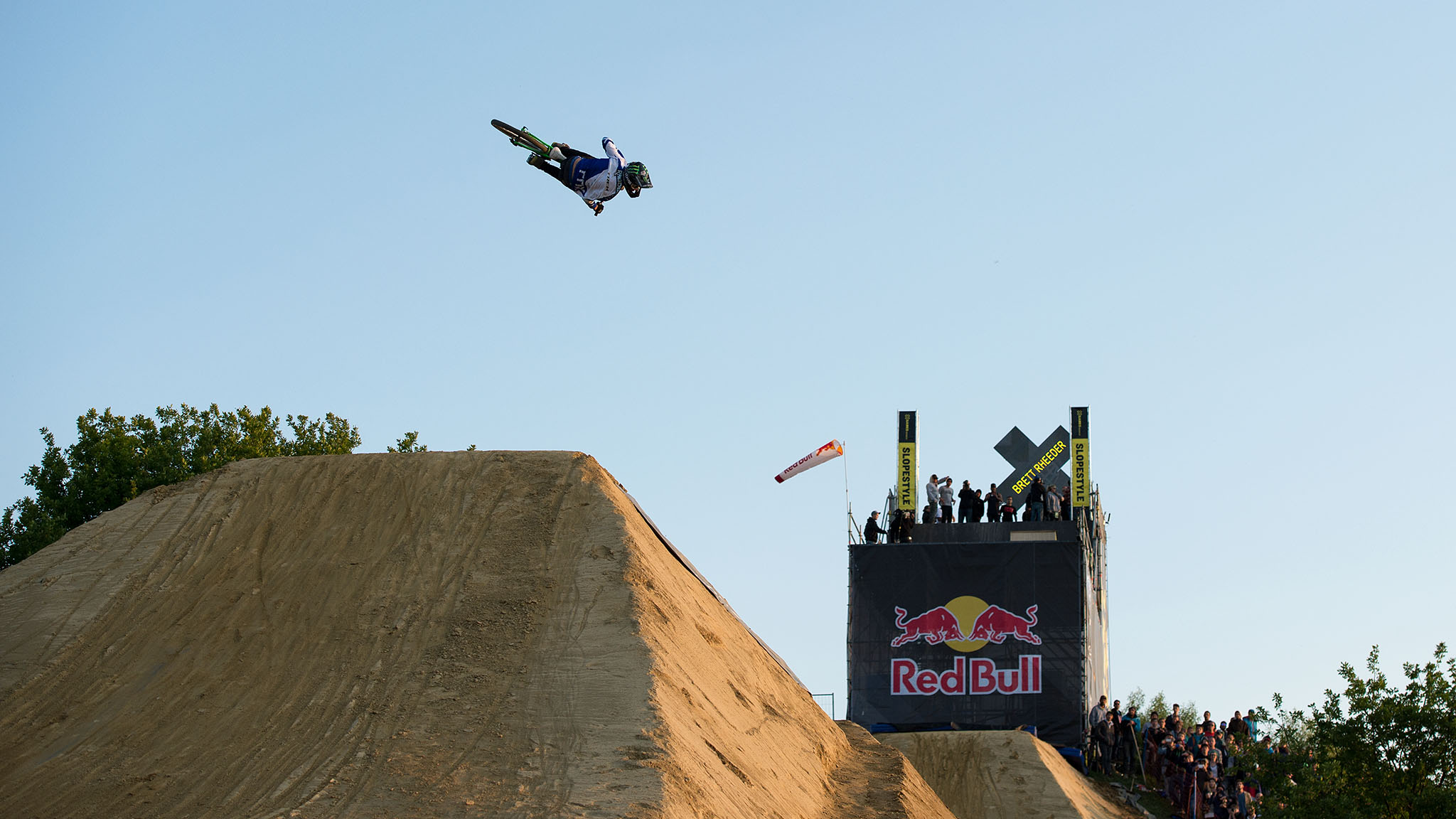 Brett Rheeder's big second run on the Slopestyle course at X Games Munich earned gold.
