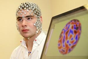 Concussion analyzing cap