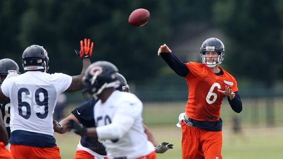 Cutler throws 4 picks, 'O' still learning