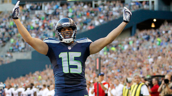 ' ' from the web at 'http://a.espncdn.com/photo/2013/0817/nfl_a_jermaine-kearse_mb_576.jpg'