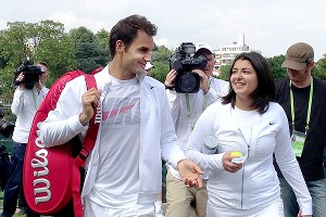 Roger Federer made time for fan Beatriz Tinoco during his run at Wimbledon.