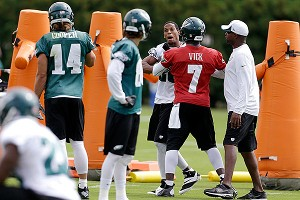 Michael Vick and Cary Williams