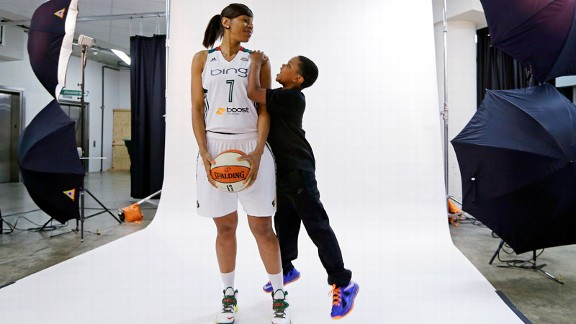 Tina Thompson, Dyllan Thompson