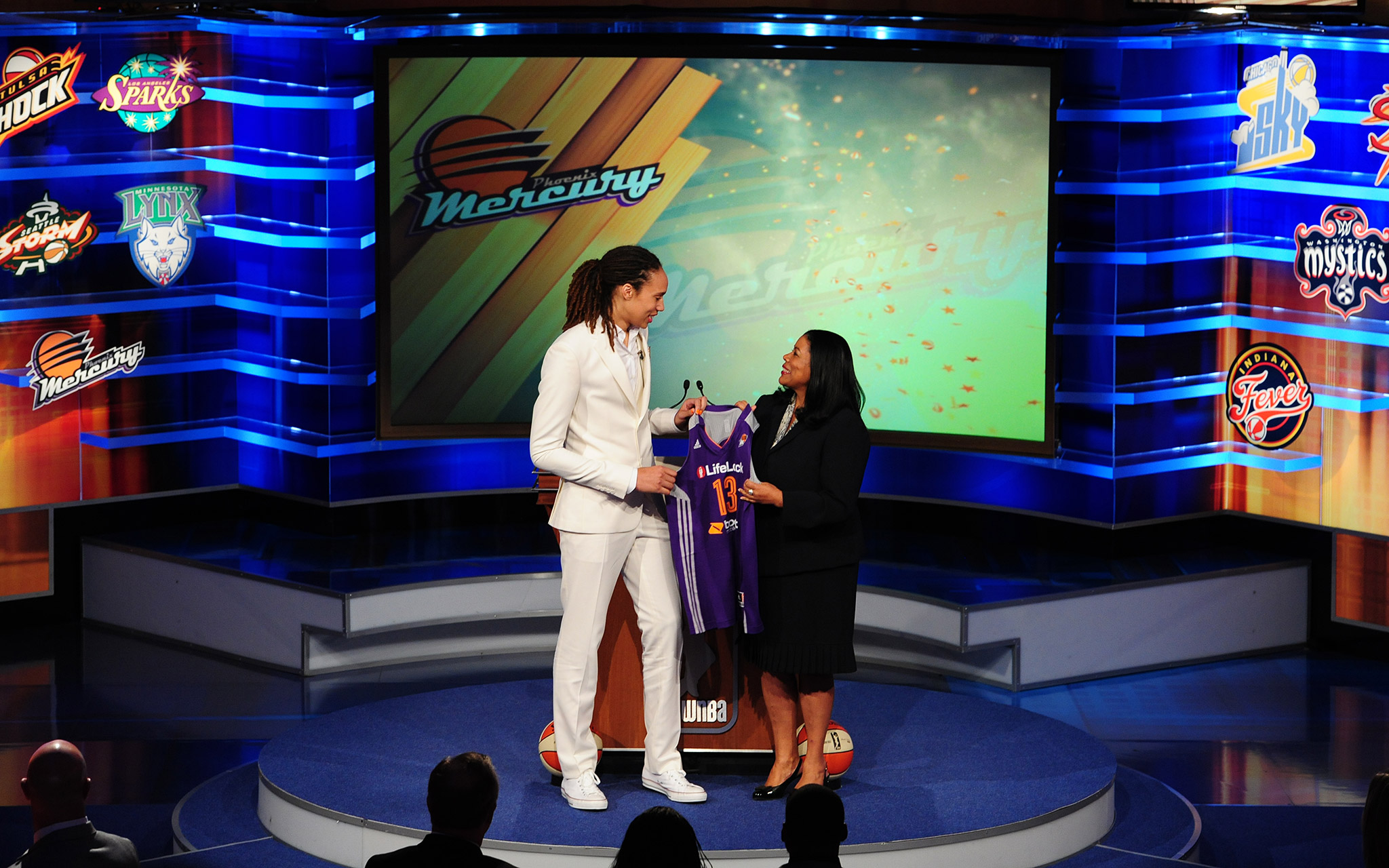 Brittney Griner was the No. 1 pick in the April WNBA draft, and knew right away that she had a mentor in Phoenix. I'm ready to get there and ready to learn from [Taurasi], Griner said on draft night. I got to play with her a little bit at USA Basketbal