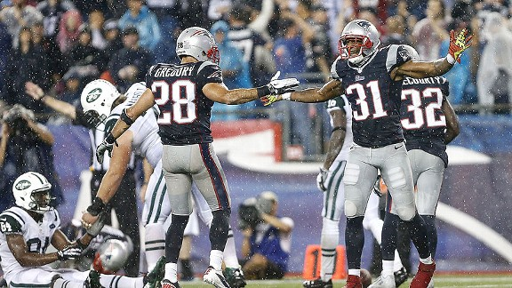 Defense bails out struggling Patriots offense