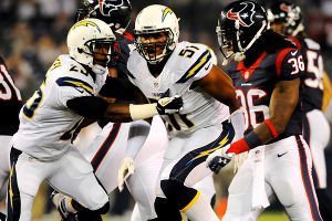 Los Chargers cortan al apoyador Larry English