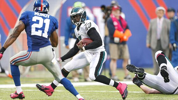 Vick avoids contact, can't avoid injury