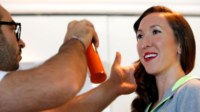 Jelena Jankovic goes for a glam look in her return to the WTA Championships for the first time since 2010.