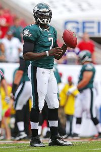 Vick works with 1st team, expected to start