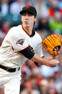Giants officially ink new deal with Lincecum