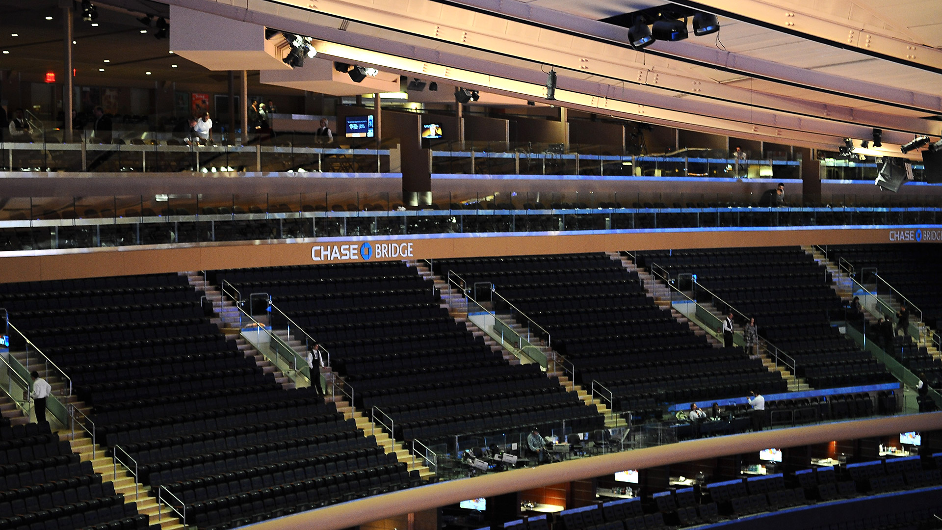New Chase Bridges a hit with fans at Madison Square Garden  : nygmsg55cr1920x1080 from espn.go.com size 1920 x 1080 jpeg 591kB