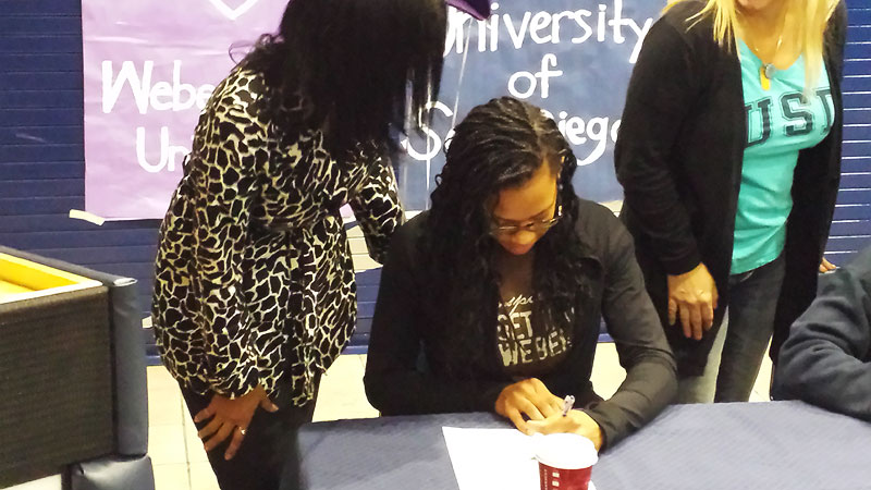 Jocelyn Adams, a three-star guard from Washington, signed her national letter of intent to play at Weber State. Signing this morning was like a dream come true, Adams said. Im excited that I dont have to worry about making a decision anymore, knowing that I have made the right decision. I(Photo Courtesy Steve Adams)/I