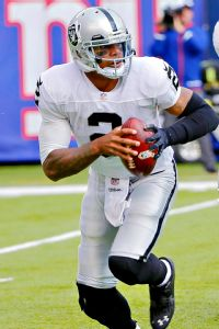 Raiders QB Pryor (knee) ruled out vs. Texans