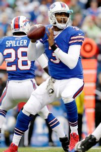 EJ Manuel steady as Geno Smith struggles