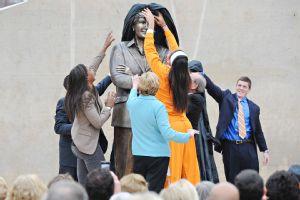 Summitt Statue Unveiling
