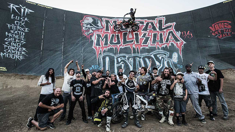 Metal Mulisha and members of Suicidal Tendencies gather on the set of the music video for Smash It.