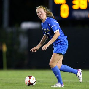 Samantha Mewis, a commanding playmaker in the middle of the field, helped UCLA upset North Carolina in the quarterfinals.