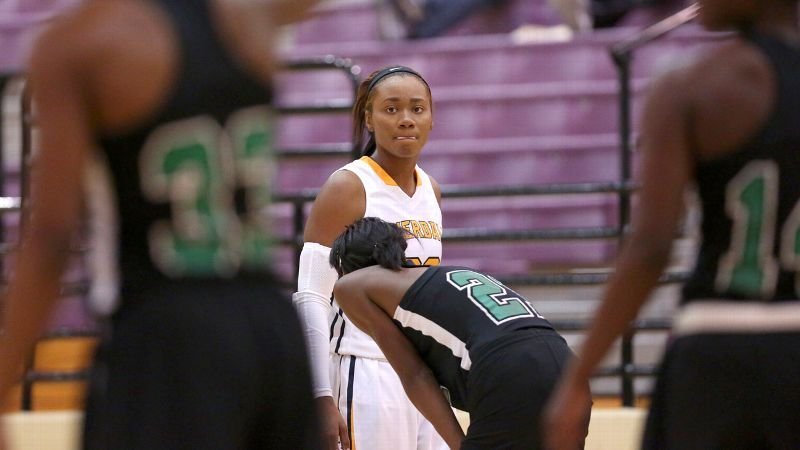 North Carolina State signee Chloe Jackson and Riverdale Baptist (Md.) ran into a first-round roadblock against St. Mary's (Stockton, Calif.). (Photo: Chris Coduto/Icon SMI)
