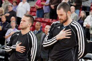 Jose Barea, Kevin Love