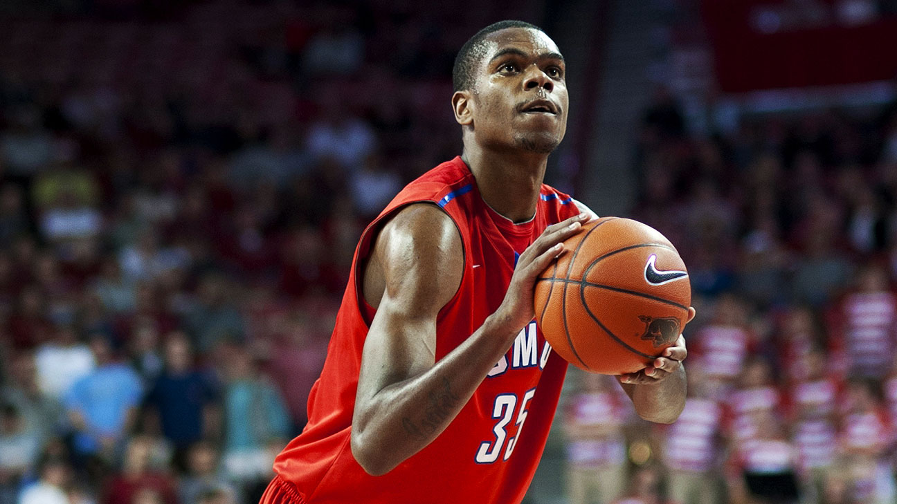 Yanick Moreira Of SMU Mustangs Out 3-6 Weeks After Suffering Partially Torn MCL