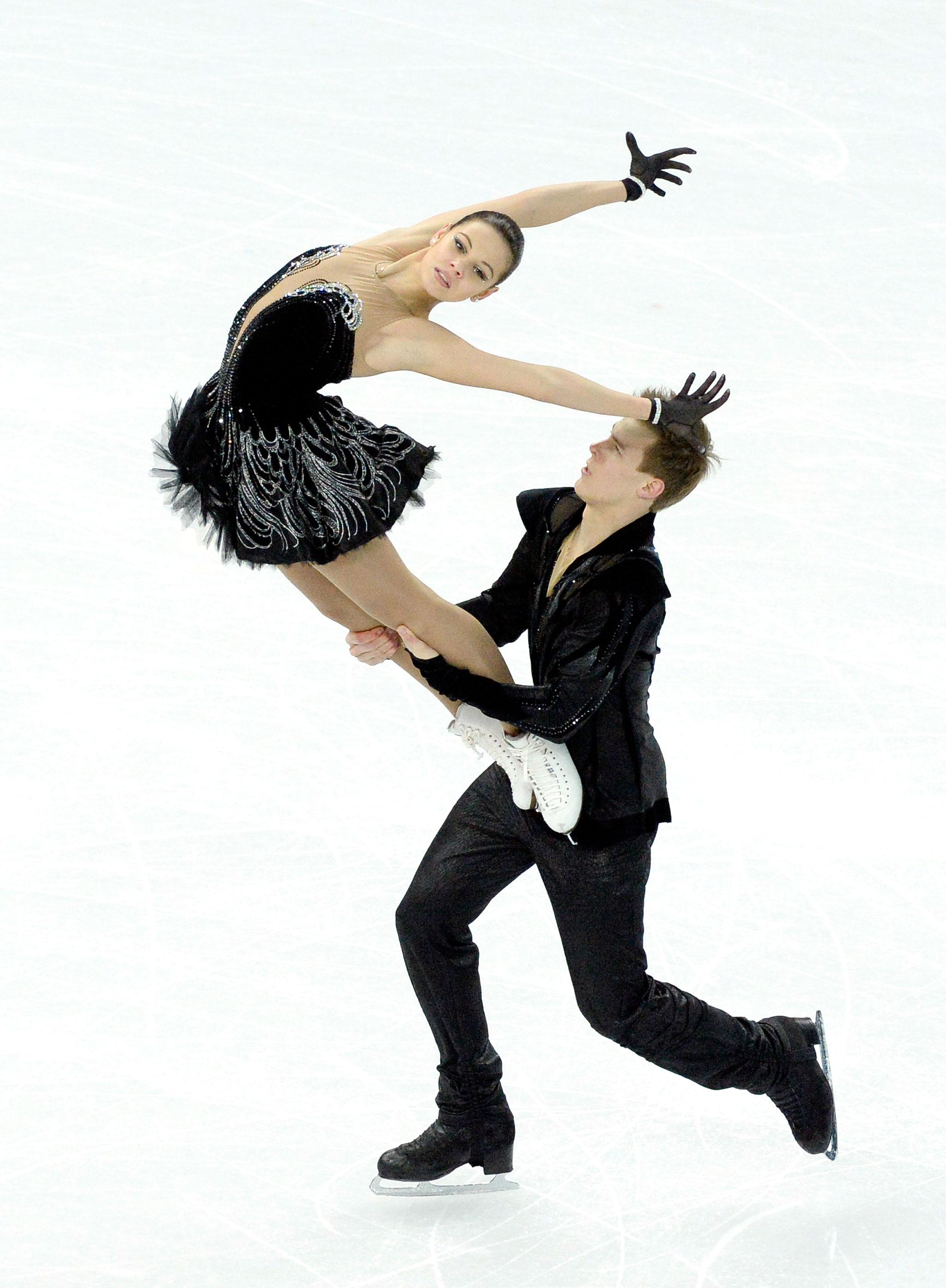 Elena and nikita skating dating 5