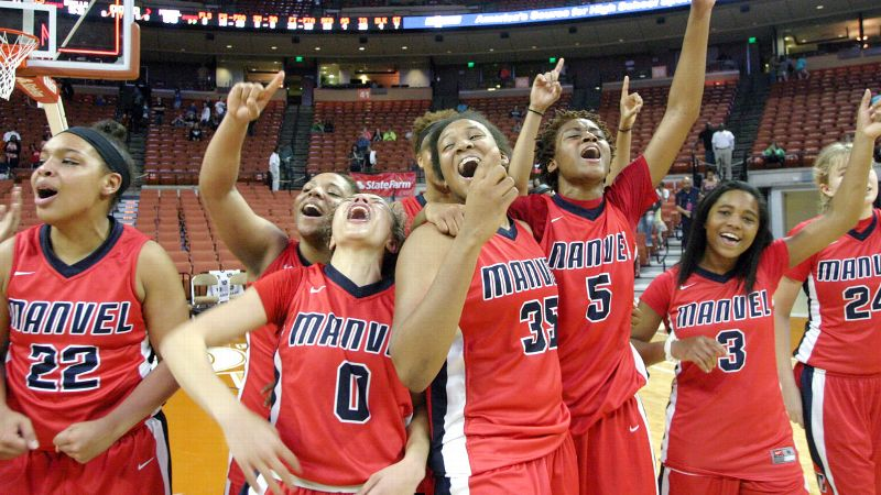 Manvel players celebrate their state championship Saturday night after ending Duncanville's 105-game winning streak.