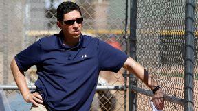 Rangers looking to extend GM Daniels' deal