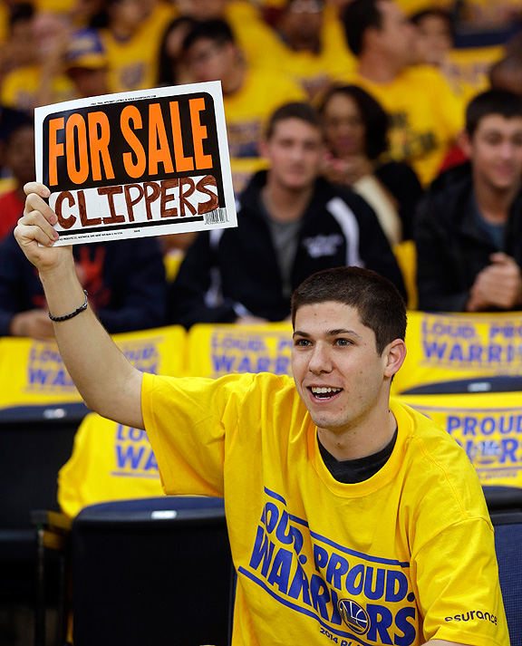 Warriors fan protesting Clippers owner Donald Sterling