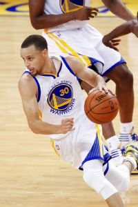Curry: Better offensive player than LeBron