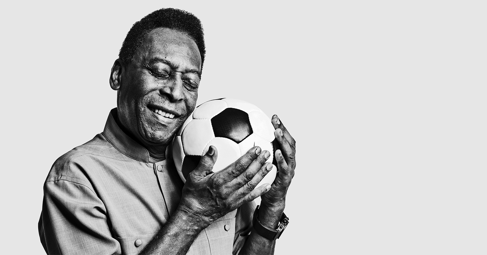 Soccer star Pelé suing Samsung for $30 million