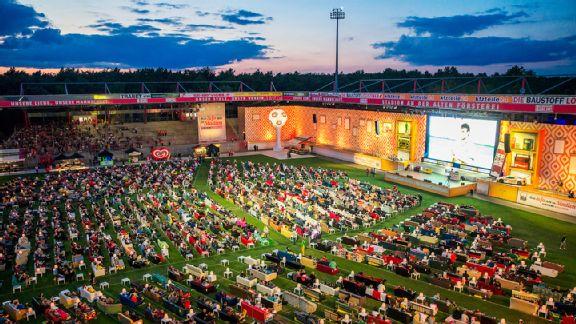 Sofa stadium