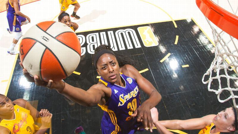 Nneka Ogwumike will add some hoops to her July 4 weekend when her Sparks host the Mercury on Sunday.