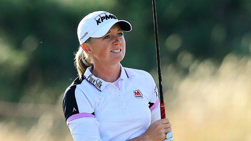 Showing patience and an understanding of links play, defending champion Stacy Lewis shot a 71, three behind the leader.