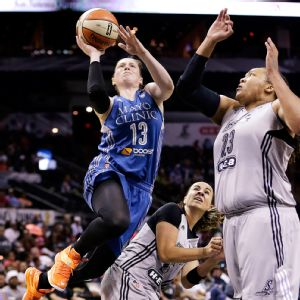 Lindsay Whalen's 31 points led the Minnesota Lynx back to the West finals with a win over the San Antonio Stars on Saturday.