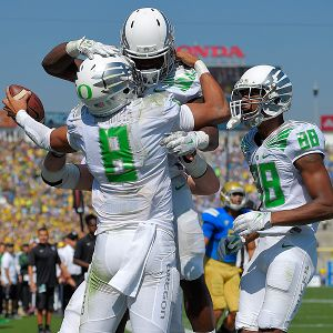 Marcus Mariota and Royce Freeman