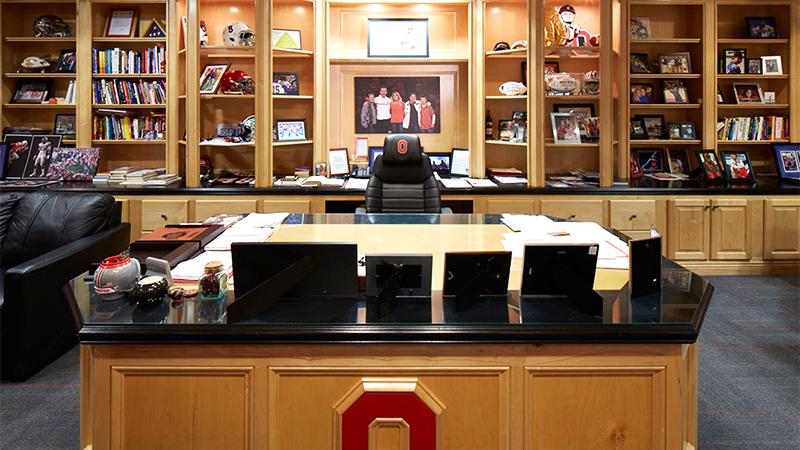 Inside Buckeyes Coach Urban Meyer 39 S Office Big Ten Blog