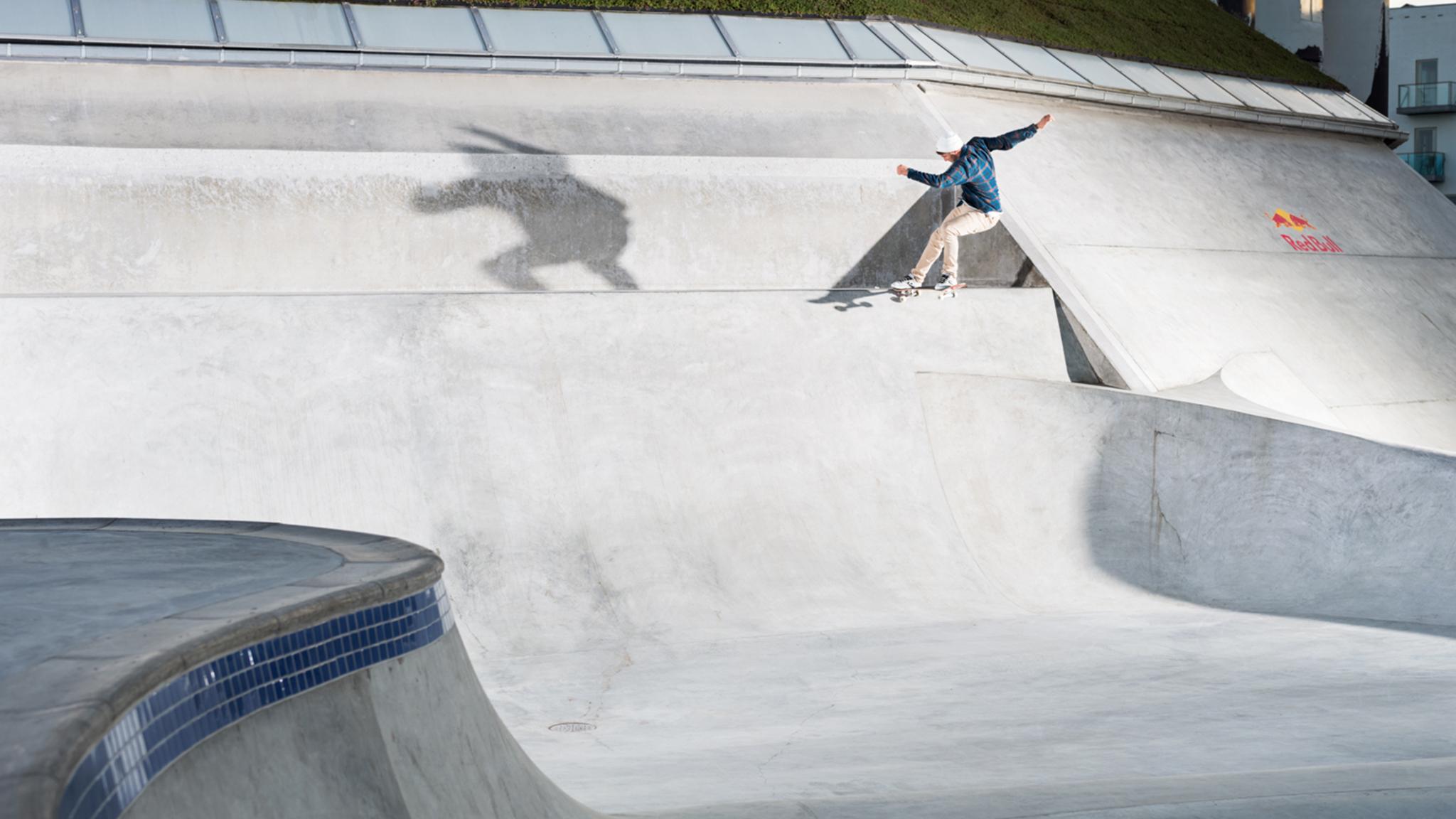 Rune Glifberg, gap to tailslide at Streetdome.