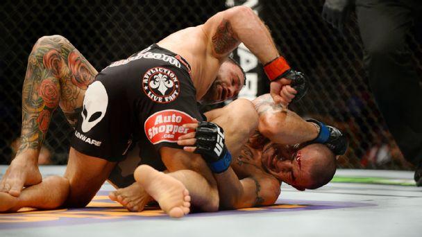 Frankie Edgar defeats Cub Swanson
