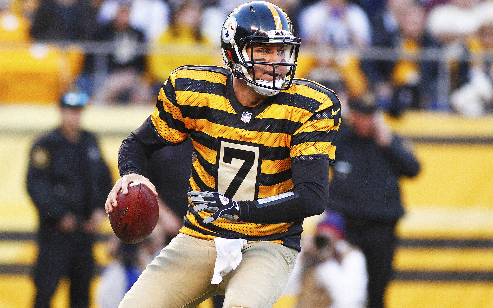 new style d1361 38f0d Ben Roethlisberger - Friday Funnies: Throwback Uniforms - ESPN